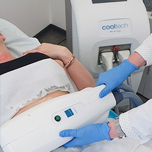 TREATMENT COOL SCULPTING FAT FREEZING 2